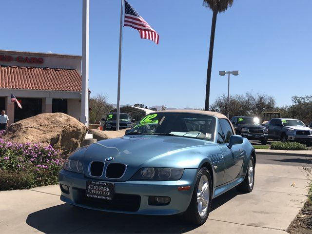 2002 BMW Z3 Base Brighten your day and have some fun when you put down the top on this exciting co