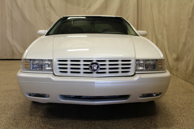 2002 Cadillac Eldorado Touring ETC Roscoe, Illinois 3