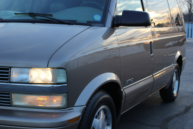 2002 Chevrolet Astro Passenger LT-LOW MILES-LEATHER- Mooresville , NC 20