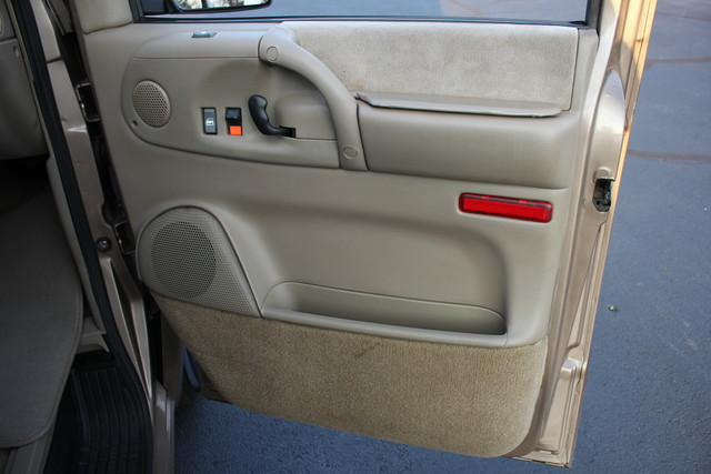 2002 Chevrolet Astro Passenger LT-LOW MILES-LEATHER- Mooresville , NC 57