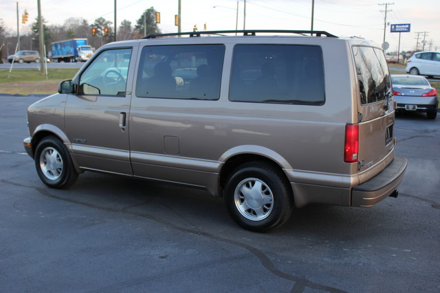 2002 Chevrolet Astro Passenger LT-LOW MILES-LEATHER- Mooresville , NC 18
