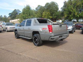 2002 Chevrolet Avalanche Batesville, Mississippi 7