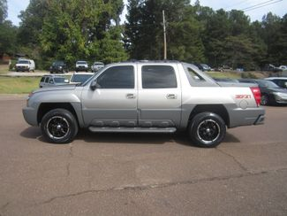 2002 Chevrolet Avalanche Batesville, Mississippi 2