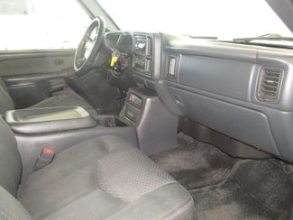 2002 Chevrolet Avalanche Gardena, California 7