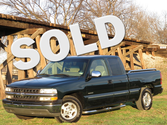 2002 Chevrolet Silverado 1500 LS CLEAN CARFAX TEXAS ONE OWNER LOW MILES EXCELLENT CONDITION T