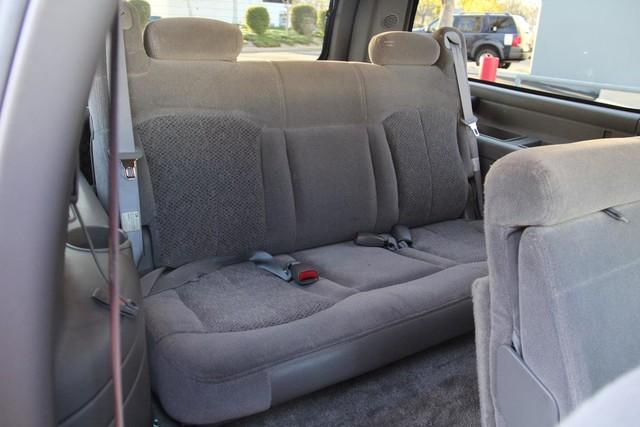 2002 Chevrolet Suburban LS Santa Clarita, CA 17