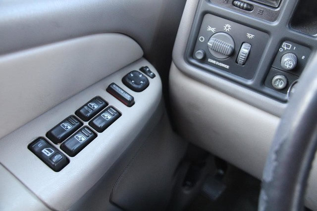 2002 Chevrolet Suburban LS Santa Clarita, CA 20