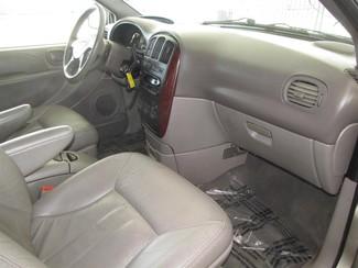 2002 Chrysler Town & Country LXi Gardena, California 7
