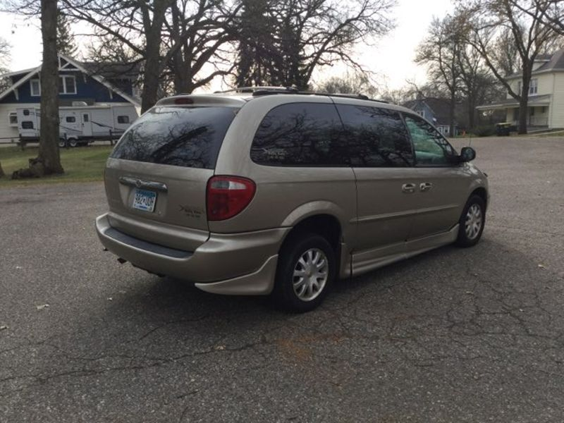 2002 Chrysler Town  Country EX  city MN  Elite Motors LLC  in Lake Crystal, MN