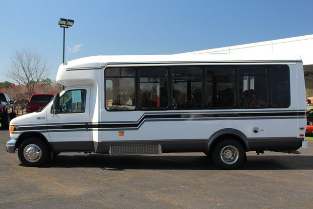 2002 Ford Econoline Commercial Cutaway E450 25 PASS Shuttle Bus/Van-7.3L DIESEL-NEW TIRES! Mooresville , NC 11