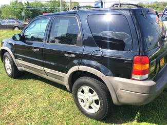 2002 Ford-! Buy Here Pay Here!! Escape LOCAL TRADE!! SHARP!! XLT-CARMARTSOUTH.COM Knoxville, Tennessee 2