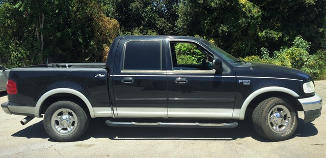 2002 Ford F-150 Lariat Studio City, California 0