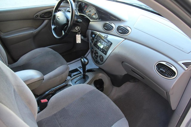 2002 Ford Focus ZTS Santa Clarita, CA 9