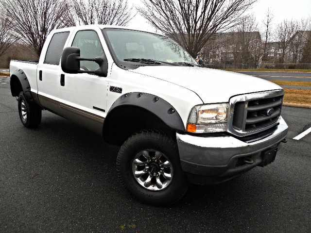 2002 Ford Super Duty F-350 SRW Lariat Leesburg, Virginia 1
