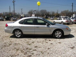 2002 Ford Taurus SES Standard Cleburne, Texas 3
