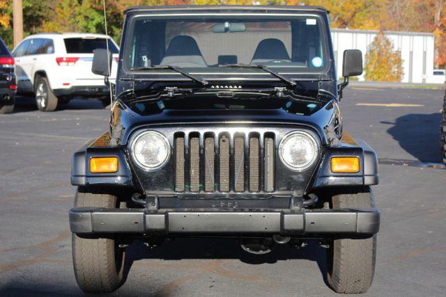 2002 Jeep Wrangler Sport 4X4 -TIRE & WHEEL GROUP! Mooresville , NC 15