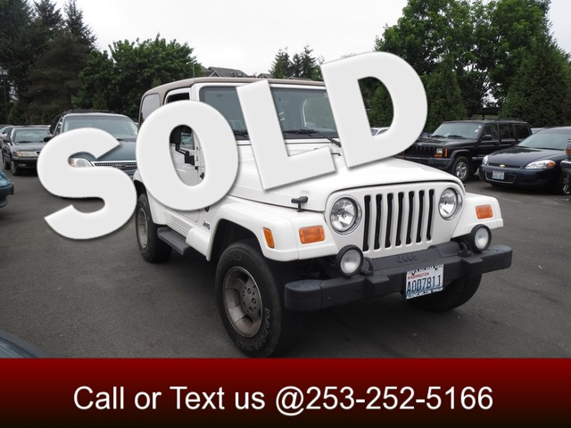 2002 Jeep Wrangler Sahara 4WD If your in the market for a 4X4 beach going cruiser or just want t