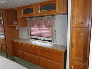 2002 Keystone Montana 2850RL Mandan, North Dakota 8