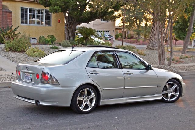 2002 Lexus IS 300 SPORT AUTOMATIC XENON MOONROOF HEATED SEATS ALTEZZ PKG XLNT CONDITION Woodland Hills, CA 10