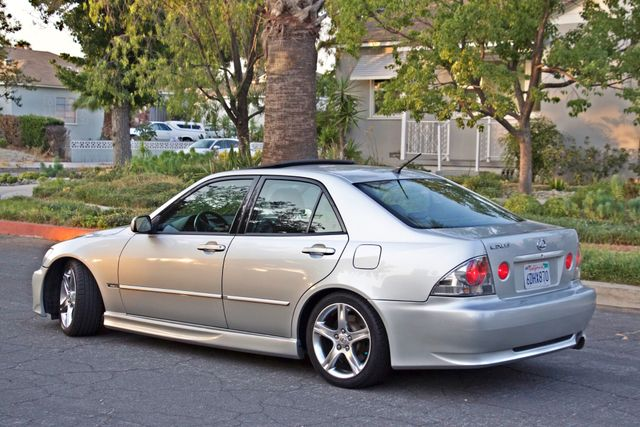 2002 Lexus IS 300 SPORT AUTOMATIC XENON MOONROOF HEATED SEATS ALTEZZ PKG XLNT CONDITION Woodland Hills, CA 6