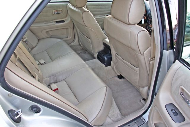 2002 Lexus IS 300 SPORT AUTOMATIC XENON MOONROOF NAVIGATION SERVICE RECORDS NEW TIRES! Woodland Hills, CA 20