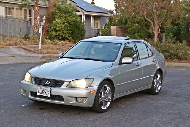 2002 Lexus IS 300 SPORT AUTOMATIC XENON MOONROOF NAVIGATION SERVICE RECORDS NEW TIRES! Woodland Hills, CA 9