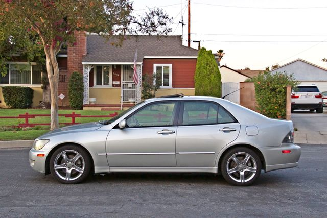 2002 Lexus IS 300 SPORT AUTOMATIC XENON MOONROOF NAVIGATION SERVICE RECORDS NEW TIRES! Woodland Hills, CA 2