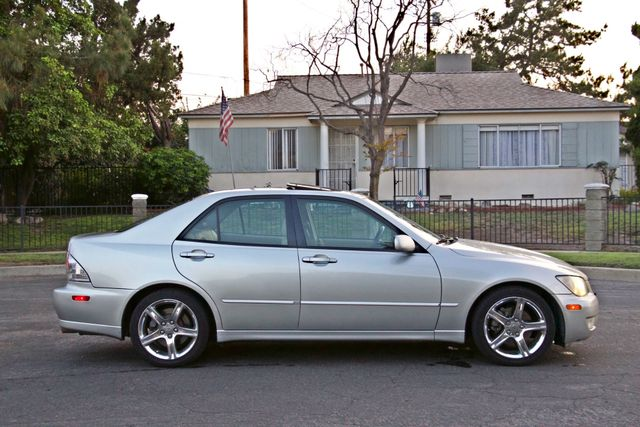 2002 Lexus IS 300 SPORT AUTOMATIC XENON MOONROOF NAVIGATION SERVICE RECORDS NEW TIRES! Woodland Hills, CA 6