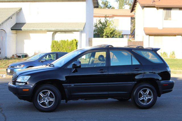 2002 Lexus RX 300 SPORT UTILITY AUTOMATIC 1-OWNER SERVICE RECORDS NEW TIRES! Woodland Hills, CA 2