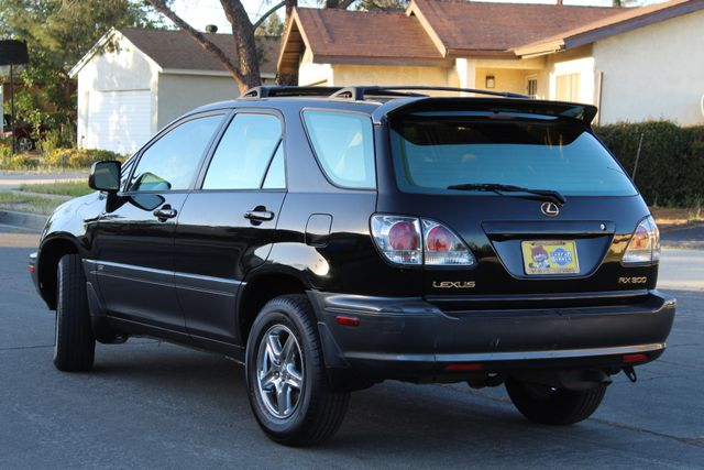 2002 Lexus RX 300 SPORT UTILITY AUTOMATIC 1-OWNER SERVICE RECORDS NEW TIRES! Woodland Hills, CA 4