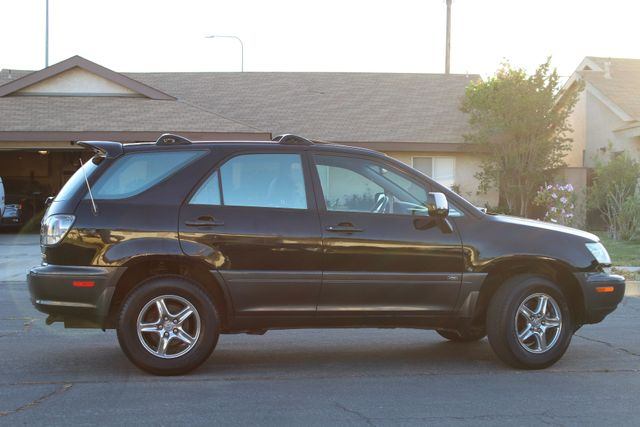 2002 Lexus RX 300 SPORT UTILITY AUTOMATIC 1-OWNER SERVICE RECORDS NEW TIRES! Woodland Hills, CA 7