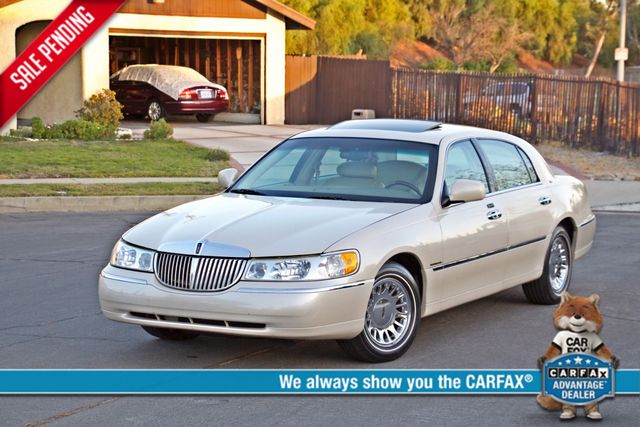 2002 Lincoln TOWN CAR CARTIER ONLY 78K MLS AUTOMATIC NEW TIRES 1-OWNER Woodland Hills, CA 0