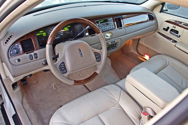 2002 Lincoln TOWN CAR CARTIER ONLY 78K MLS AUTOMATIC NEW TIRES 1-OWNER Woodland Hills, CA 16