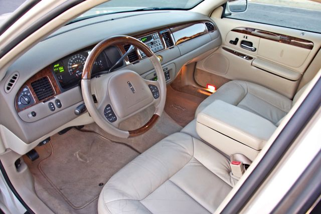 2002 Lincoln TOWN CAR CARTIER ONLY 78K MLS AUTOMATIC NEW TIRES 1-OWNER Woodland Hills, CA 17