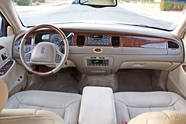 2002 Lincoln TOWN CAR CARTIER ONLY 78K MLS AUTOMATIC NEW TIRES 1-OWNER Woodland Hills, CA 23