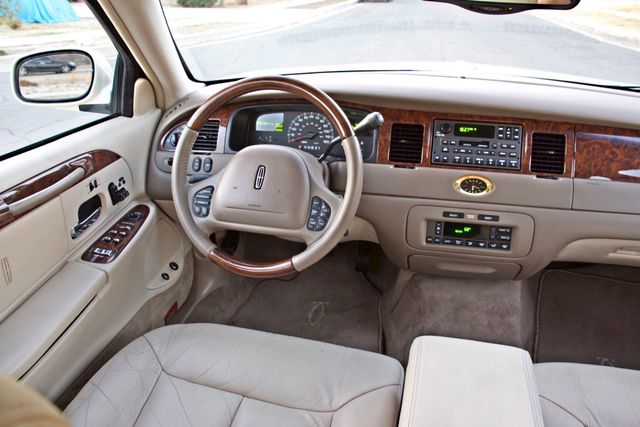 2002 Lincoln TOWN CAR CARTIER ONLY 78K MLS AUTOMATIC NEW TIRES 1-OWNER Woodland Hills, CA 24