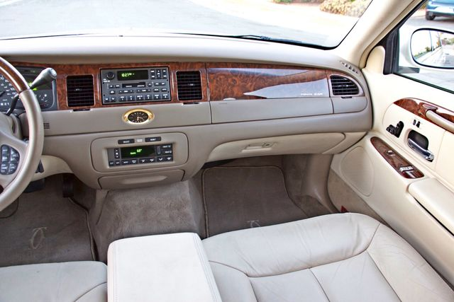 2002 Lincoln TOWN CAR CARTIER ONLY 78K MLS AUTOMATIC NEW TIRES 1-OWNER Woodland Hills, CA 25