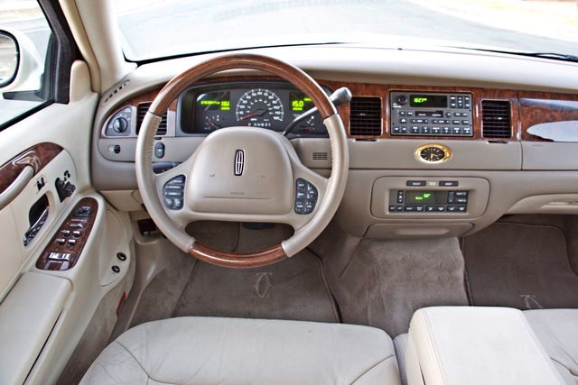 2002 Lincoln TOWN CAR CARTIER ONLY 78K MLS AUTOMATIC NEW TIRES 1-OWNER Woodland Hills, CA 26