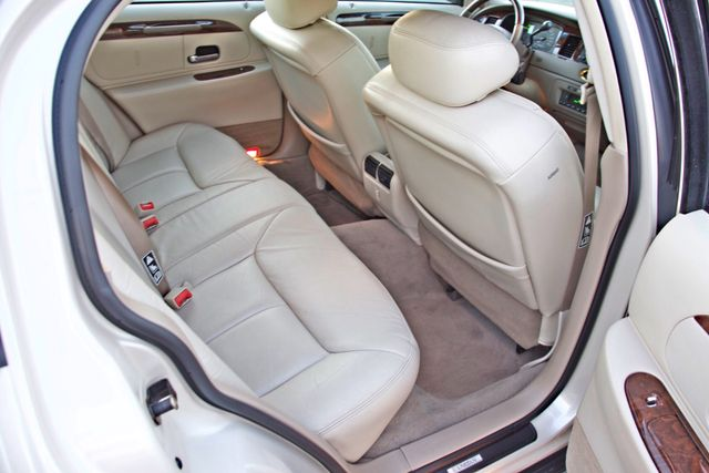 2002 Lincoln TOWN CAR CARTIER ONLY 78K MLS AUTOMATIC NEW TIRES 1-OWNER Woodland Hills, CA 31