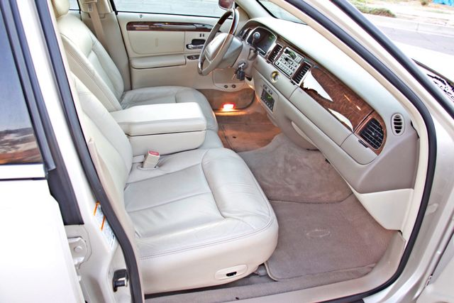 2002 Lincoln TOWN CAR CARTIER ONLY 78K MLS AUTOMATIC NEW TIRES 1-OWNER Woodland Hills, CA 28