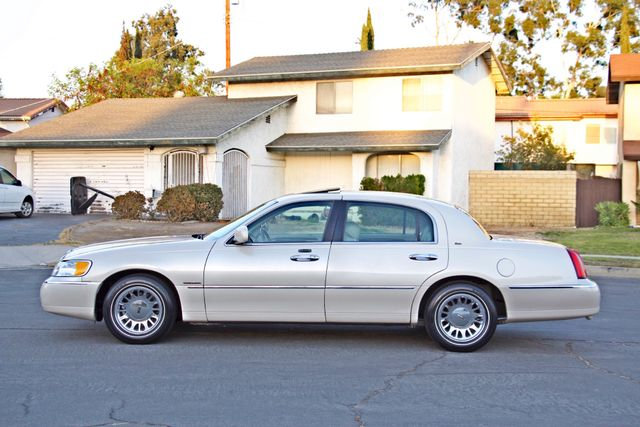 2002 Lincoln TOWN CAR CARTIER ONLY 78K MLS AUTOMATIC NEW TIRES 1-OWNER Woodland Hills, CA 3