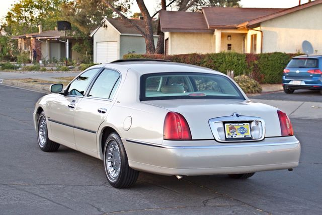 2002 Lincoln TOWN CAR CARTIER ONLY 78K MLS AUTOMATIC NEW TIRES 1-OWNER Woodland Hills, CA 4