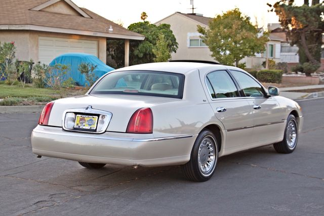 2002 Lincoln TOWN CAR CARTIER ONLY 78K MLS AUTOMATIC NEW TIRES 1-OWNER Woodland Hills, CA 6