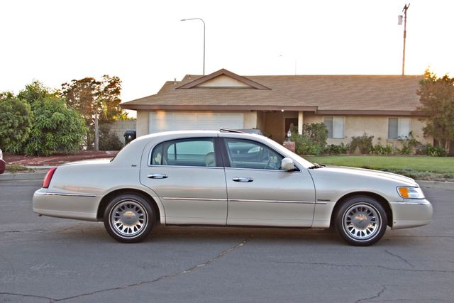 2002 Lincoln TOWN CAR CARTIER ONLY 78K MLS AUTOMATIC NEW TIRES 1-OWNER Woodland Hills, CA 7