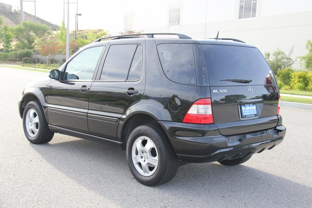 2002 Mercedes-Benz ML320 Santa Clarita, CA 5