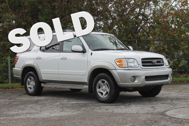 2002 Toyota Sequoia SR5  WARRANTY CARFAX CERTIFIED 3RD ROW SEAT 11 SERVICE RECORDS FLORIDA
