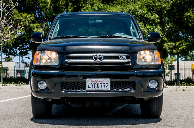 2002 Toyota Sequoia Limited - AUTO - SUNROOF - 3RD ROW - 1-OWNER Reseda, CA 3