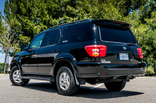 2002 Toyota Sequoia Limited - AUTO - SUNROOF - 3RD ROW - 1-OWNER Reseda, CA 7