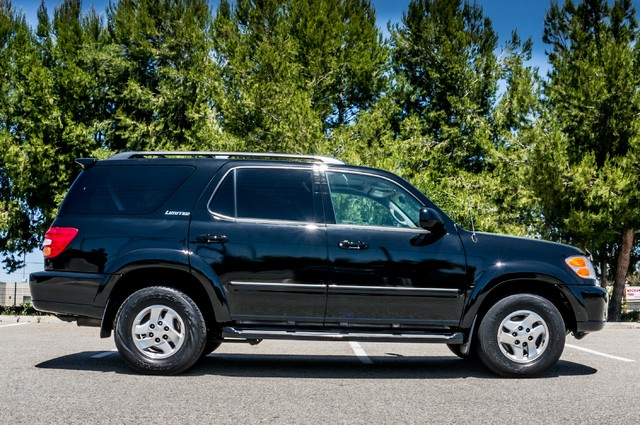 2002 Toyota Sequoia Limited - AUTO - SUNROOF - 3RD ROW - 1-OWNER Reseda, CA 6