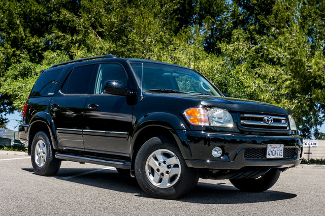 2002 Toyota Sequoia Limited - AUTO - SUNROOF - 3RD ROW - 1-OWNER Reseda, CA 4